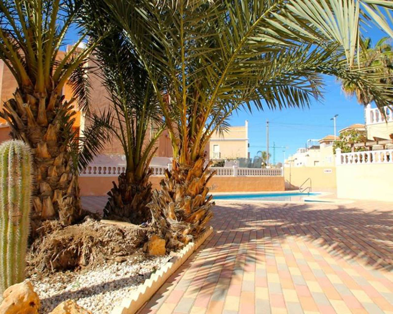 Resale - Townhouse - Torrevieja - Aldea del mar