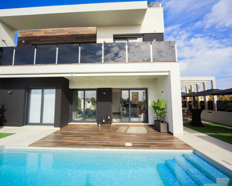 Ref:MEDAM5 Luxury Villa For Sale in Cabo Roig