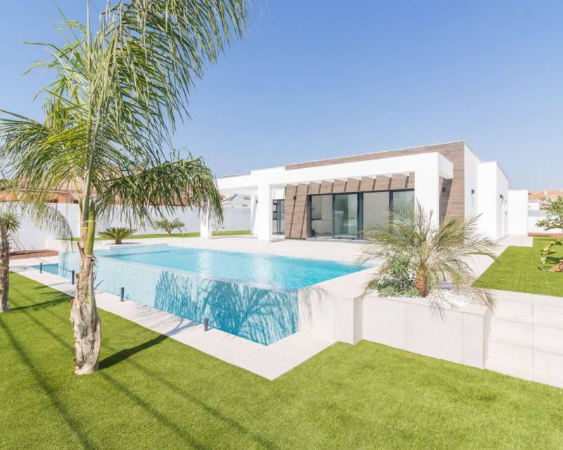 Ref:MED521 Detached Villa For Sale in Cabo Roig