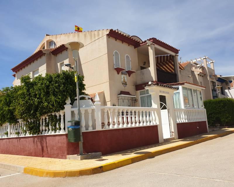 Ref:MED528 Bungalow For Sale in Orihuela Costa