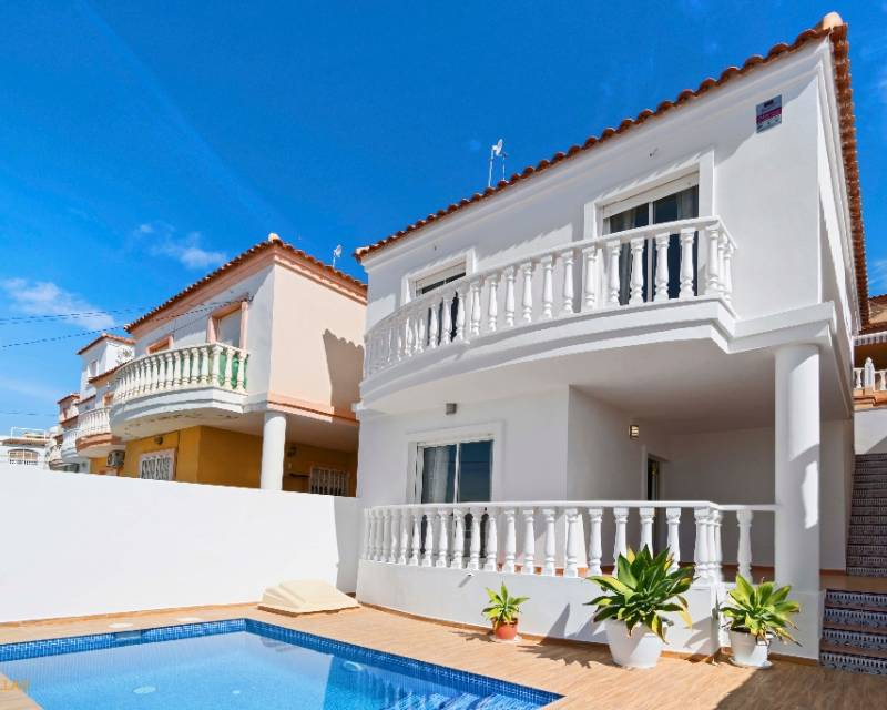 Ref:MEDCV0283 Villa For Sale in Orihuela Costa