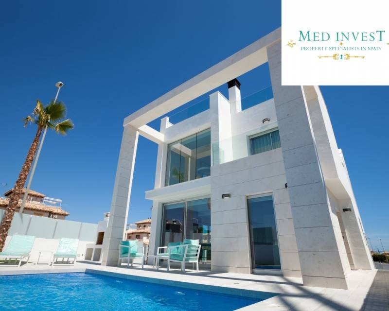 Ref:MEDIMM03 Villa For Sale in Cabo Roig